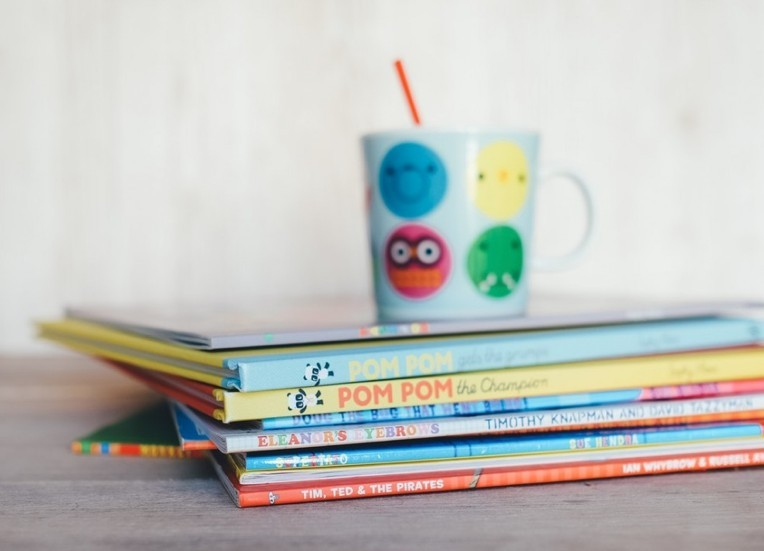 kids engaged reading