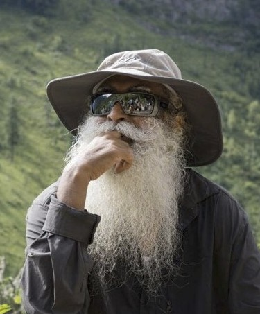 sadhguru looking gangsta